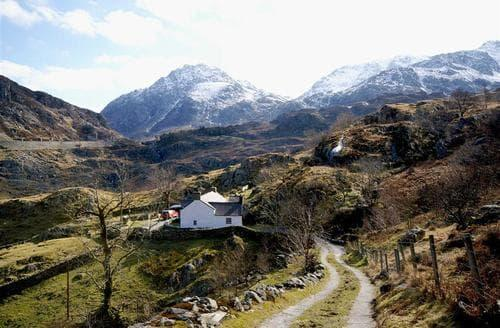 Last Minute Cottages - Attractive Snowdonia Cottage S26911
