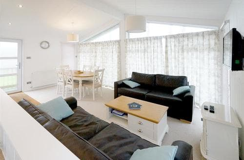 Last Minute Cottages - Quaint Caernarfon Lodge S45075