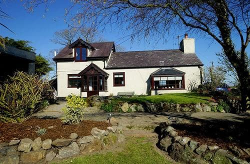 Big Cottages - Exquisite Trefor Cottage S26919