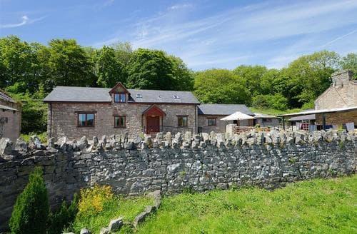 Last Minute Cottages - Henblas Cottage