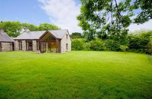 Last Minute Cottages - Llwynbedw Isaf