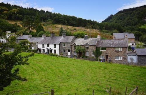 Last Minute Cottages - Garthfain