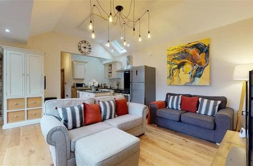 Last Minute Cottages - Exquisite Holywell Cottage S114242