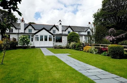 Last Minute Cottages - Luxury Conwy Valley Cottage S26948