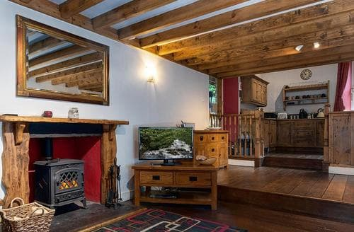 Last Minute Cottages - Quaint Snowdonia Cottage S26869