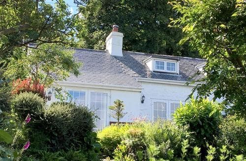 Last Minute Cottages - Luxury Rowen Cottage S72098