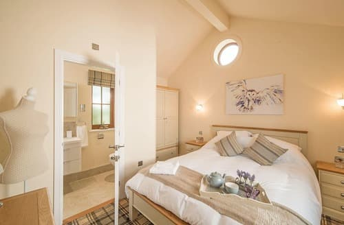 Last Minute Cottages - Lovely Skirlaugh Lodge S127759
