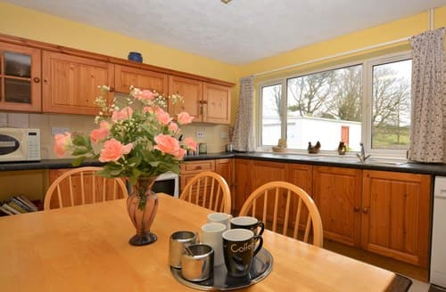 Last Minute Cottages - Delightful Swansea Bungalow S127762