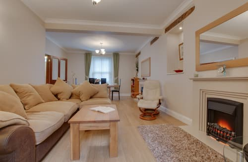 Last Minute Cottages - Lovely Tenby Cottage S127821