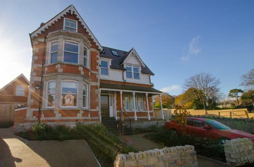 Last Minute Cottages - Luxury Swanage Apartment S127989