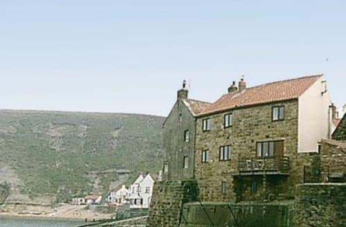 Last Minute Cottages - Inviting Staithes Cottage S15517