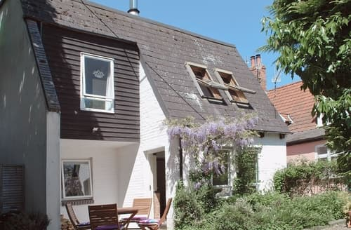 Last Minute Cottages - Gorgeous Sudbury Cottage S18056