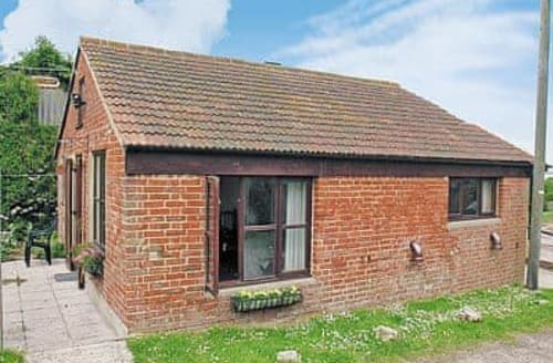 Last Minute Cottages - New Stable Cottage- 13509