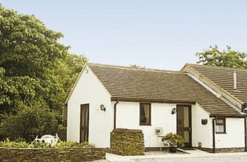 Last Minute Cottages - Stunning Chesterfield Cottage S16534