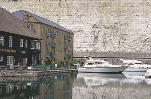 Last Minute Cottages - Superb Brighton Apartment S13896