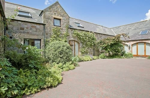 Last Minute Cottages - Stunning Bamburgh Cottage S14426