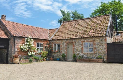 Last Minute Cottages - The Stables - 17751