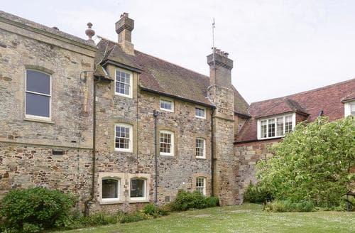 Last Minute Cottages - Gorgeous Brighstone Cottage S14172