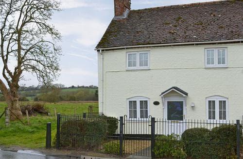Last Minute Cottages - Tasteful Salisbury Cottage S13740