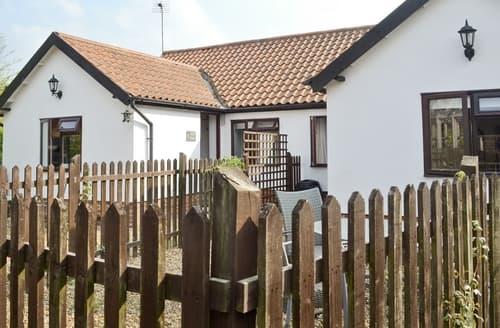 Last Minute Cottages - Oak Tree 1