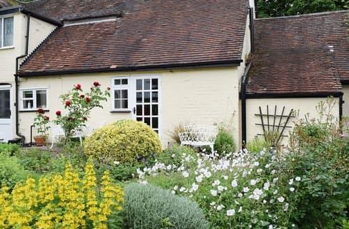 Last Minute Cottages - Adorable Warwick Apartment S15952