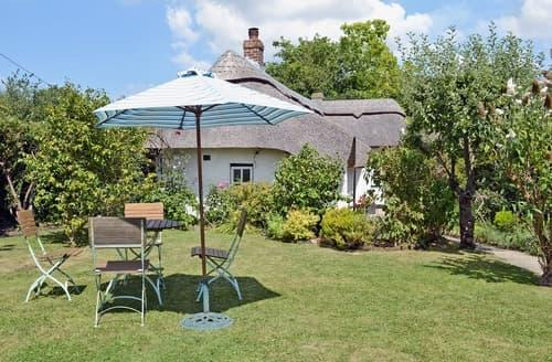 Last Minute Cottages - Beautiful Lymington Cottage S14112