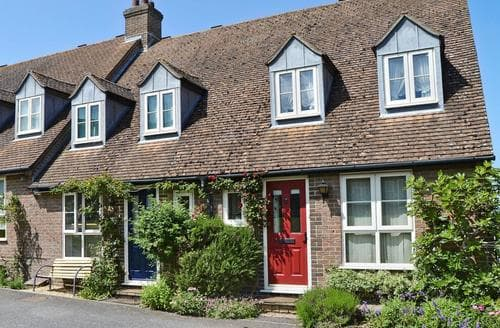 Last Minute Cottages - Superb Newport Cottage S14268