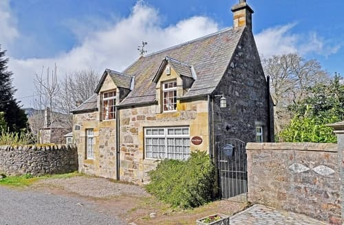 Last Minute Cottages - Inviting Pitlochry Cottage S23415