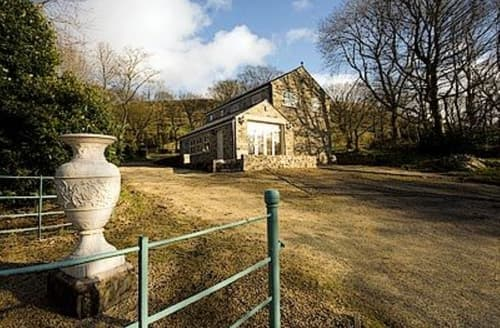 Last Minute Cottages - Luxury Holmfirth Lodge S15651