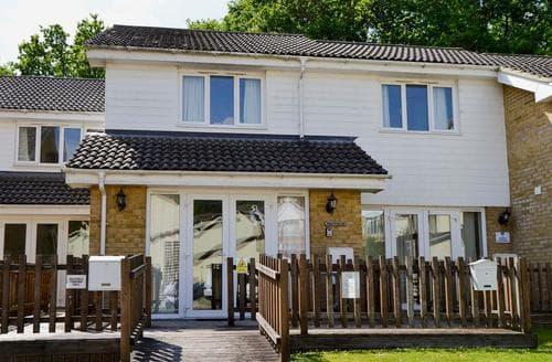 Last Minute Cottages - Excellent Ryde Cottage S14295
