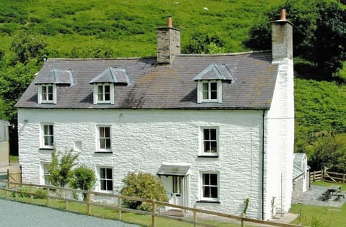 Last Minute Cottages - Attractive Llangollen Cottage S22022