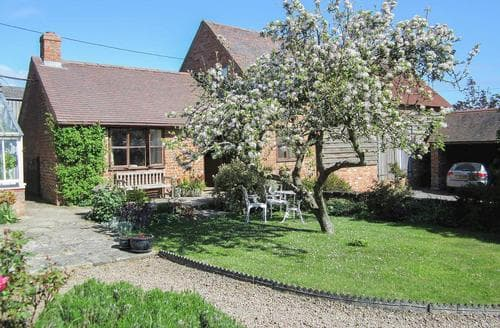 Last Minute Cottages - Charming Tewkesbury Cottage S16329