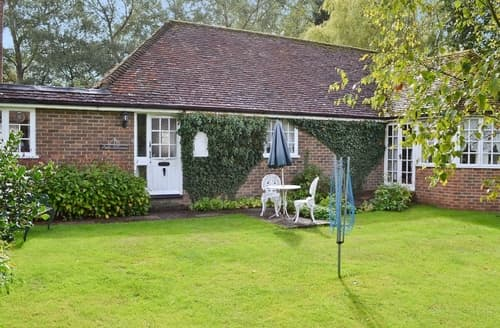 Last Minute Cottages - Captivating Ashford Cottage S13525