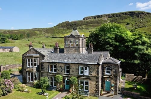 Big Cottages - Charming Holmfirth Lodge S15660