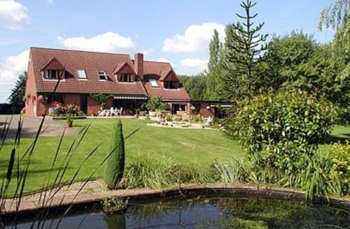 Last Minute Cottages - Attractive Gloucester Cottage S16228