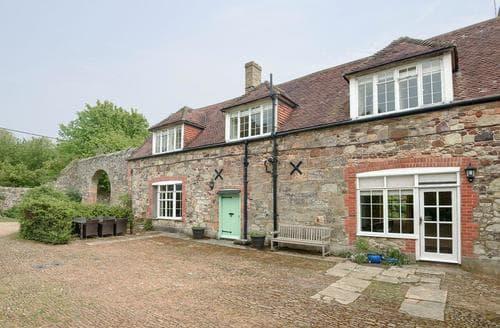 Big Cottages - Tasteful Brighstone Cottage S14173