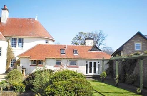 Last Minute Cottages - Superb Helensburgh Cottage S23025