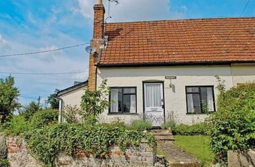 Last Minute Cottages - Adorable Stowmarket Cottage S18020