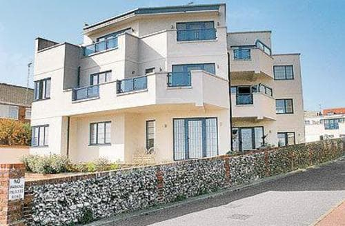 Last Minute Cottages - Cosy Broadstairs Apartment S13549