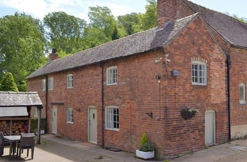 Dog Friendly Cottages - Wonderful Derby Cottage S16559