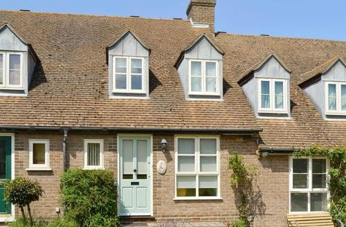 Last Minute Cottages - Attractive Newport Cottage S14267