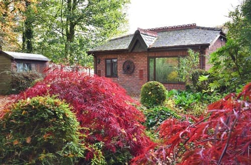 Last Minute Cottages - Stunning Southport Lodge S18254