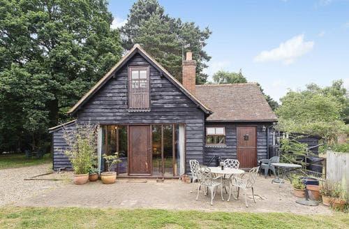 Big Cottages - Delightful Woodbridge Cottage S18083