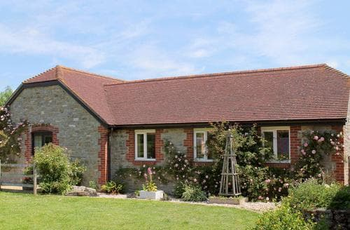 Last Minute Cottages - Inviting Sherborne Cottage S19874