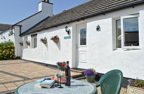 Last Minute Cottages - Delightful Rhosneigr And Aberffraw Cottage S24740