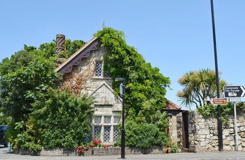 Big Cottages - Exquisite Cowes Cottage S14207