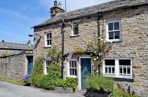 Last Minute Cottages - Attractive Hawes Cottage S15174