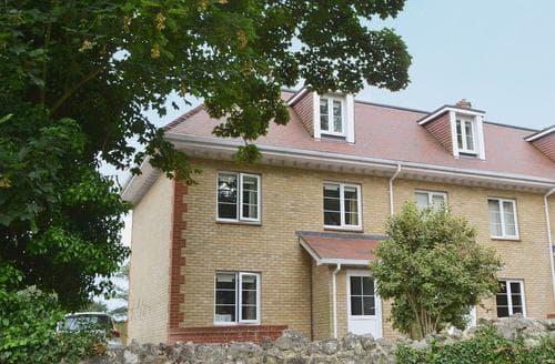 Last Minute Cottages - Stunning Shanklin Cottage S14330