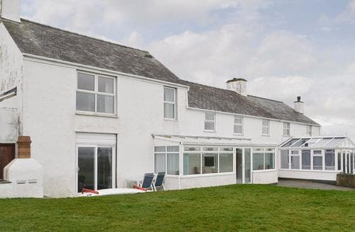 Big Cottages - Inviting Holyhead And Treaddur Bay Cottage S22068