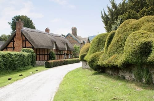 Last Minute Cottages - Wonderful Kington Cottage S16929